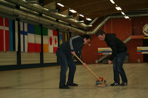 Souboj metařů v curlingu